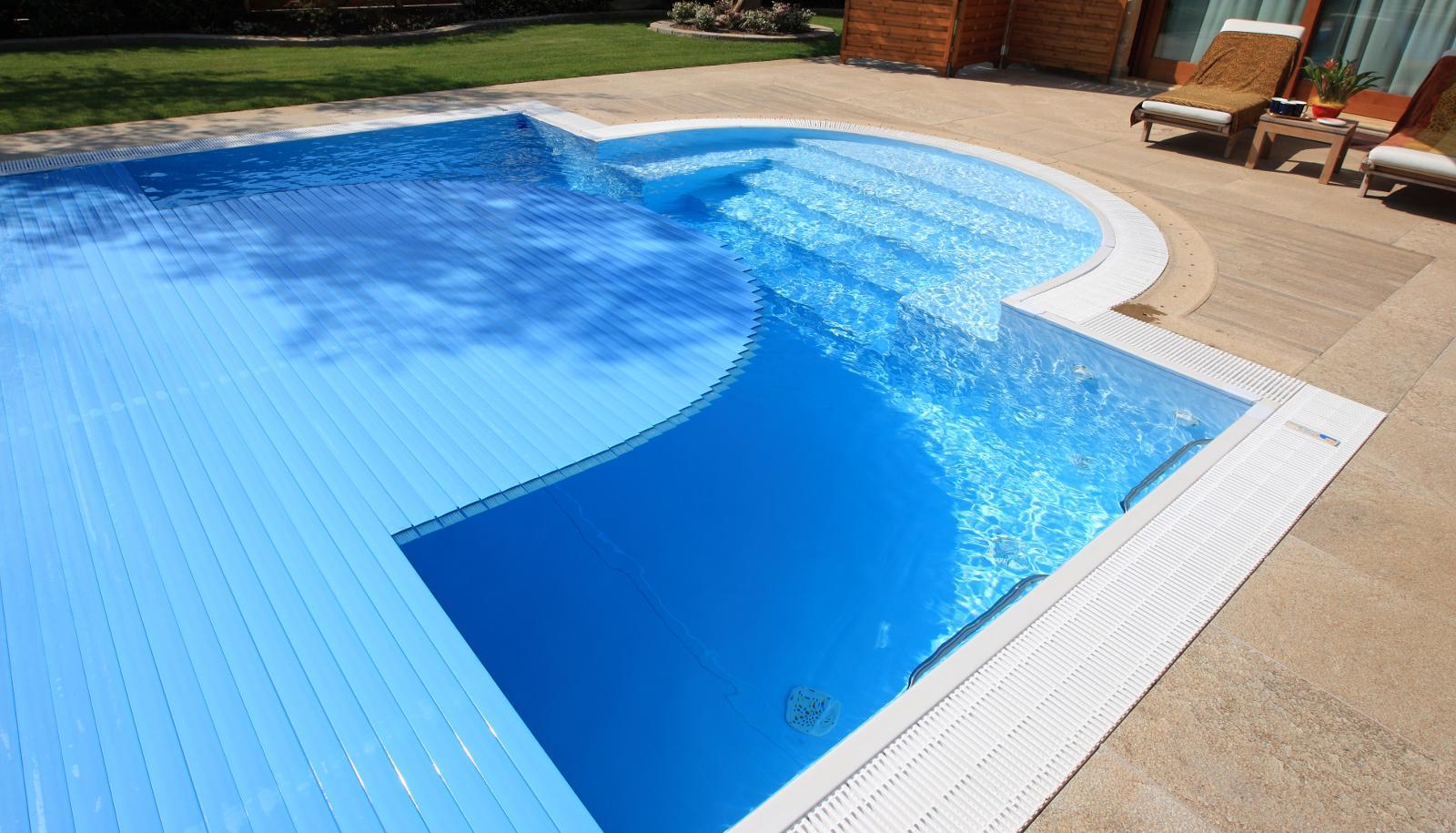 Accessori circolazione piscine scivoli per piscine idromassaggio per piscine recinzioni per - Piscina bambini roma ...